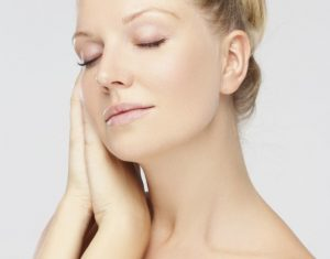 What's The Difference Between A Neck Lift And Neck Liposuction?